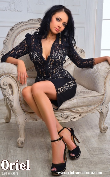 Oriel, Russian escort who offers massages in Barcelona