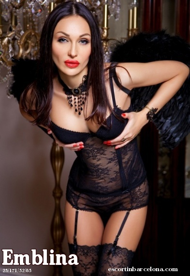 Emblina, Russian escort who offers french kissing in Barcelona