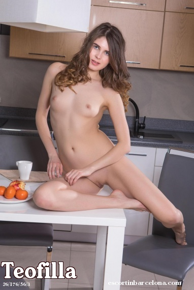 Teofilla, Russian escort who offers french kissing in Barcelona
