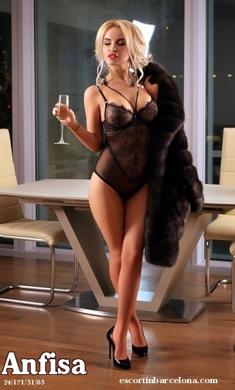 Anfisa, Russian escort who offers french kissing in Barcelona