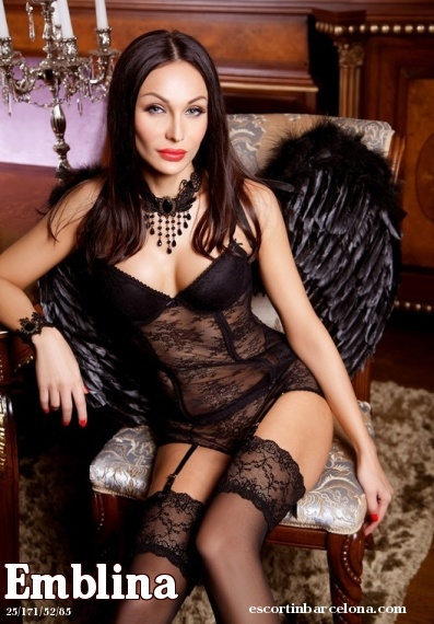 Emblina, Russian escort who offers massages in Barcelona
