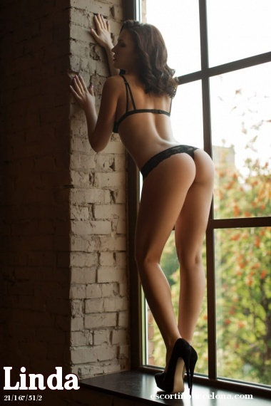 Linda, Russian escort who offers oral job in Barcelona