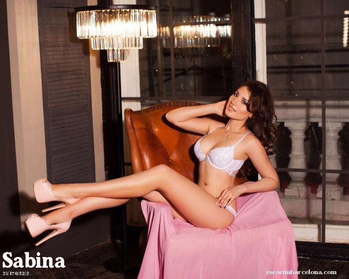 Sabina, Russian escort who offers massages in Barcelona