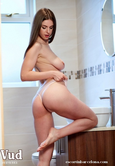 Vud, Russian escort who offers oral job in Barcelona