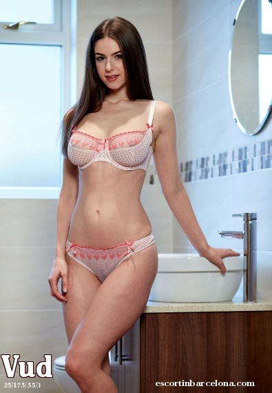 Vud, Russian escort who offers girlfriend experience in Barcelona