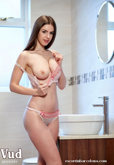 Vud, Russian escort who offers dates in Barcelona